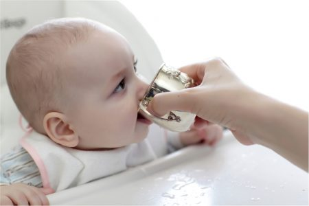train baby with real cup