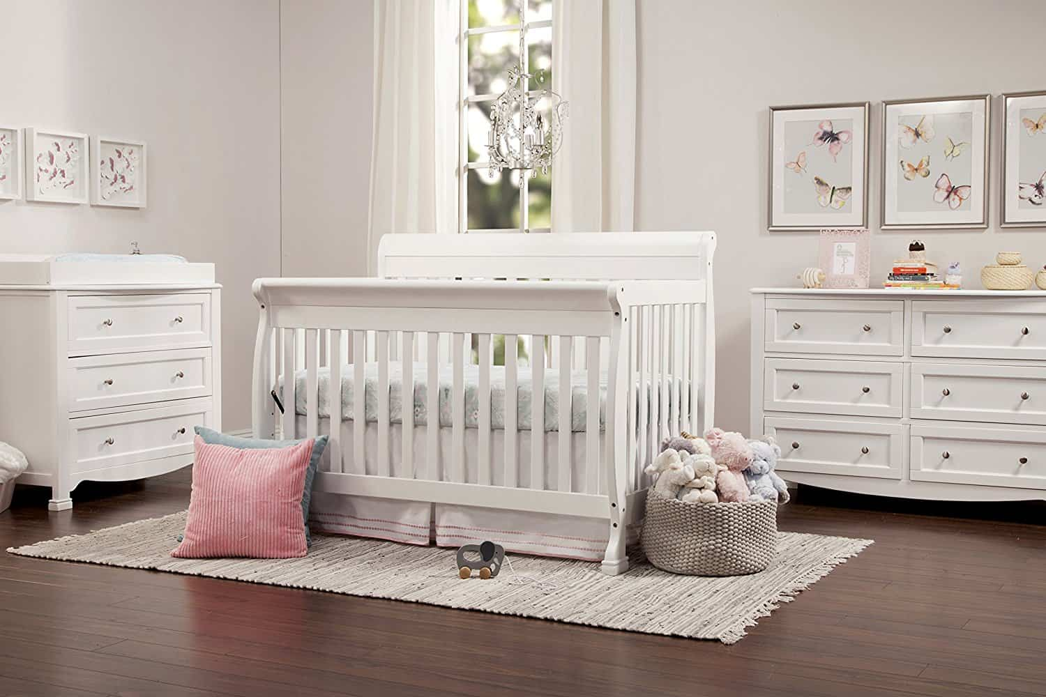 Best Baby Crib 2017 DaVinci Kalani crib in white
