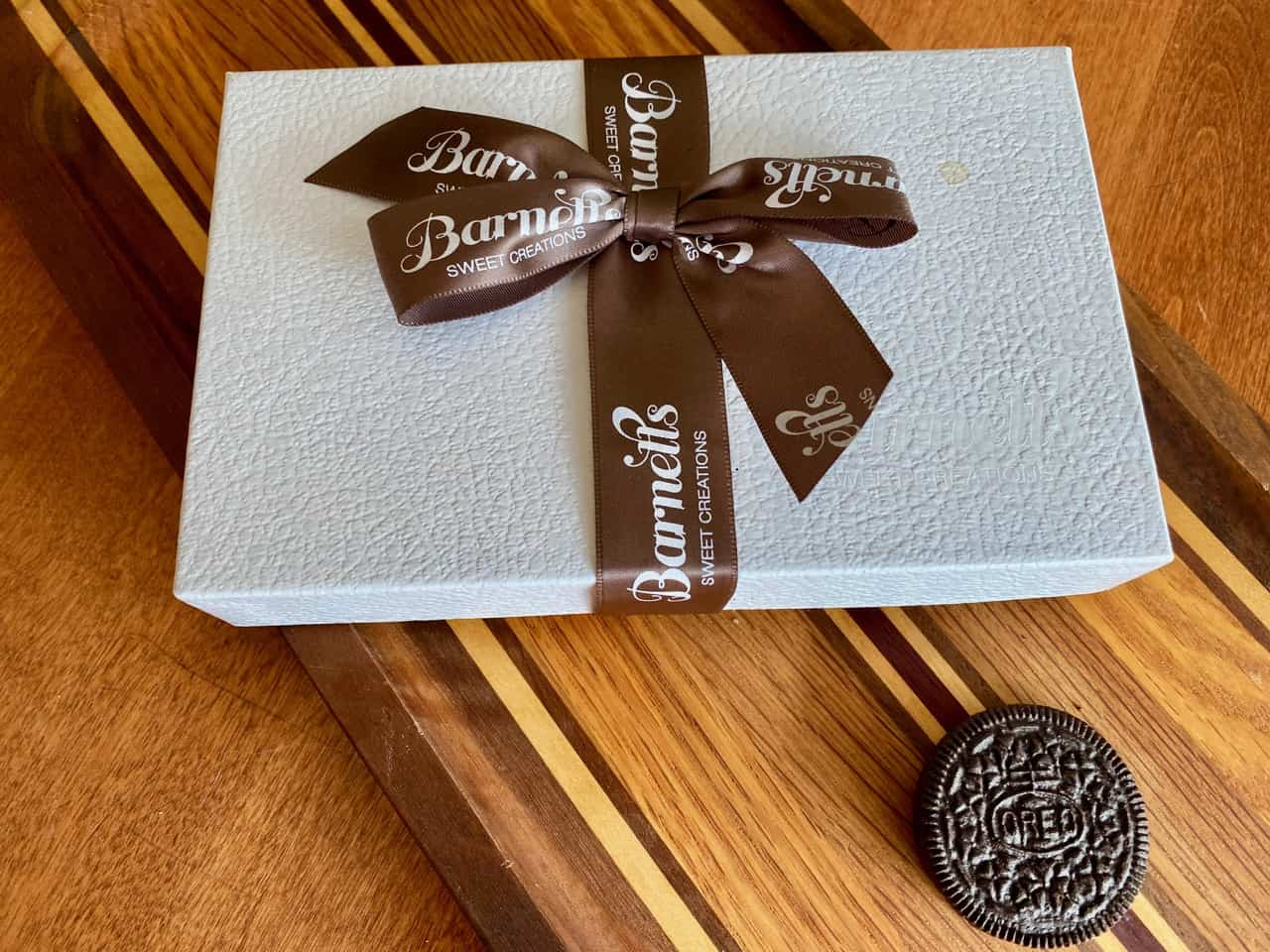 Best Chocolate Cookie Gift Box exterior